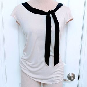 5/$25 H&M Top With Tie at Collar S